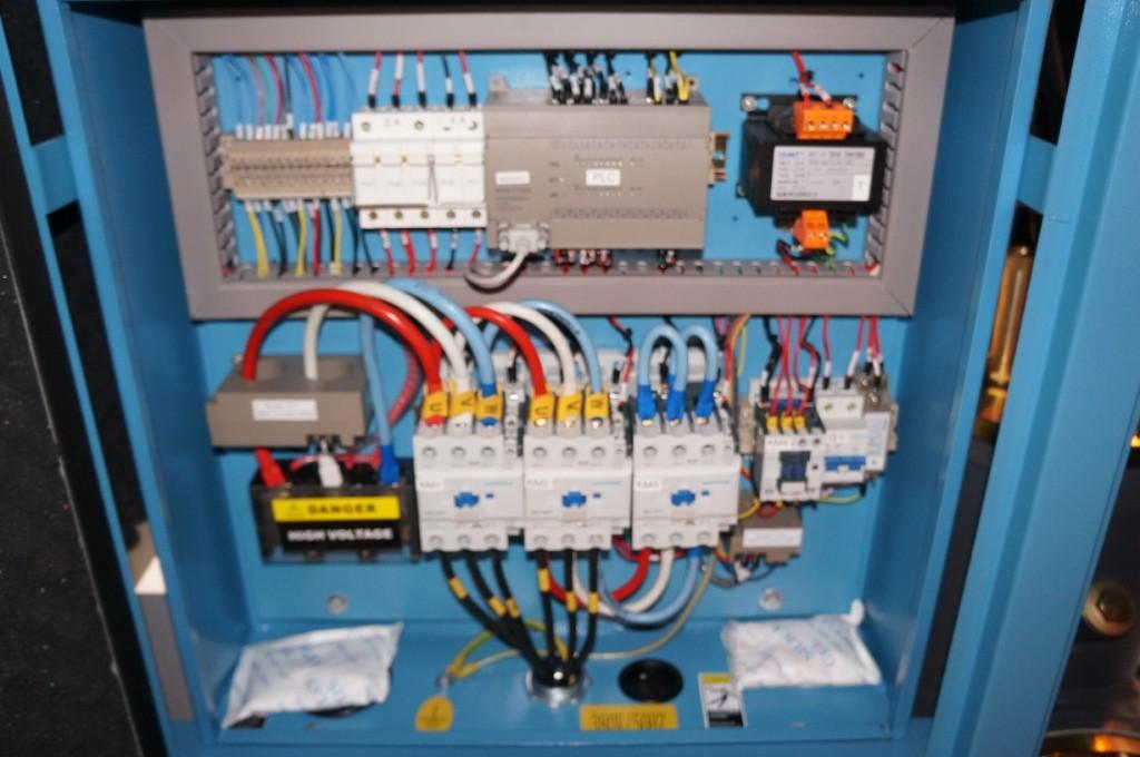 Пример исполнения силового шкафа компрессора Dali