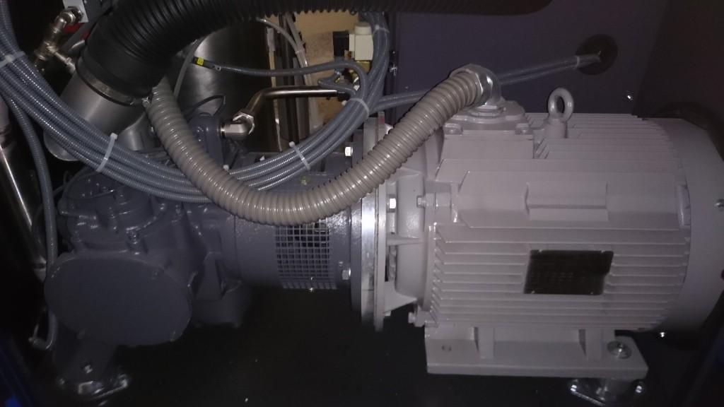 Винтовой блок и электродвигатель компрессора CompAir D22H-RS
